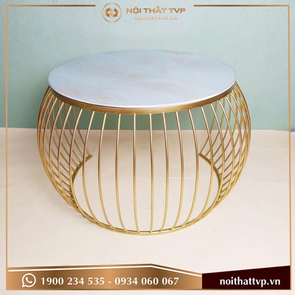 Bàn sofa mặt kính trắng vân mây, chân sơn tĩnh điện vàng TVP-BT01