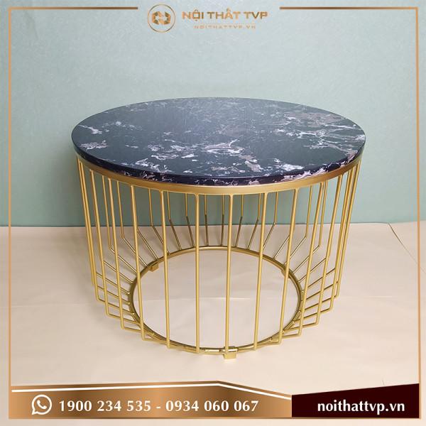 Bàn sofa hình trụ bo góc tròn mặt đá đen vân mây, chân sơn tĩnh điện vàng TVP-BT02
